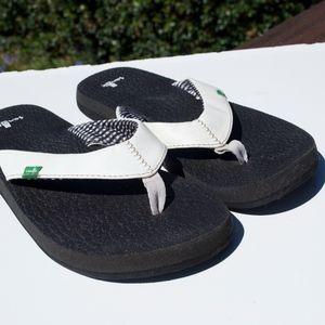 Sanuk Flip Flops Black White 10